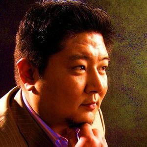 配音老师-男25央视大气专题