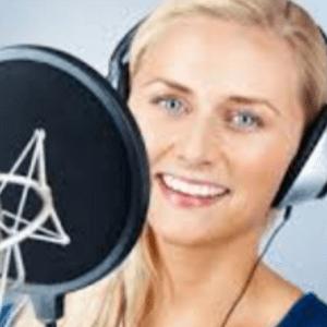 配音老师-英-外籍女31-露西亚